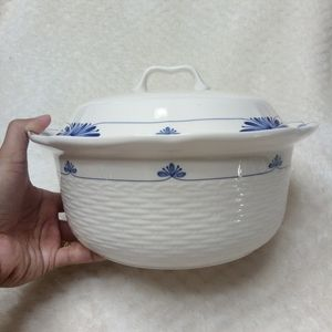 Noritake 2qt Dutch Tile Covered Vegetable Bowl